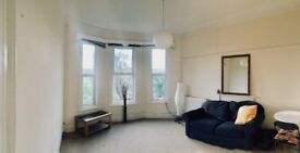 Large Bedroom + Your Own Large Lounge! Great location, St. Andrews