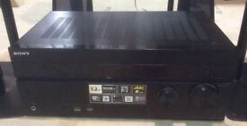 Complete Quality Surround Sound System 5.1 Sony 1040 AMP + 5 Cambridge Speakers & Woofer. + Stands