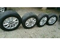 Alloys with good tyres 255 55 18. PCD 5/130