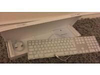 Apple Keyboard with Numeric Keypad (British)
