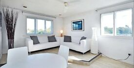 Beautiful 2 bed flat - fully furnished With PRIVATE PARKING