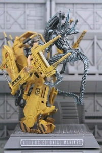 Aliens power loader statue -Colonial Marines Collector's Edition
