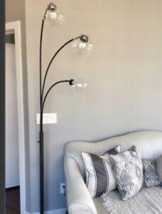 TALL BLACK FLOOR LAMP