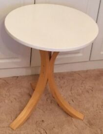 Small Ikea Side / Lamp Table FREE DELIVERY 361