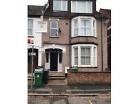 WATFORD 1 BED FLAT CLOSE TOWN CENTRE