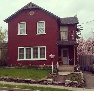 Beautiful, bright 2 bedroom in historic Galt! Available Aug 1!!!