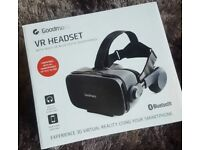 Goldman's VR headset with built-in bluetooth headphones brand new
