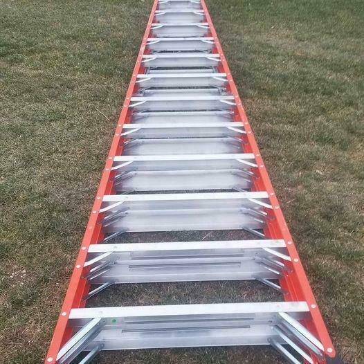Louisville FM1414HD 14 Foot 375lb Double Sided Twin Step Ladder A Frame