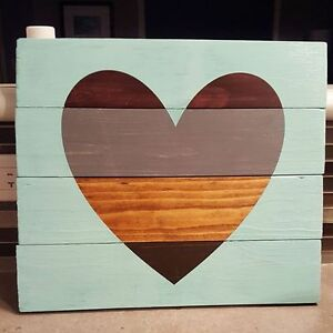 Multi-Tone Pallet-Style Heart Wooden Sign