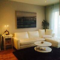 2 corners ROSEMONT metro- Girl only ROOMATE-LONG or Short term
