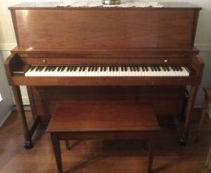Piano Droit de la  Marque Baldwin en excellente condition