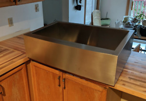 NEW! Single Bowl Stainless Steel Apron Sink • 33W 22L • $700