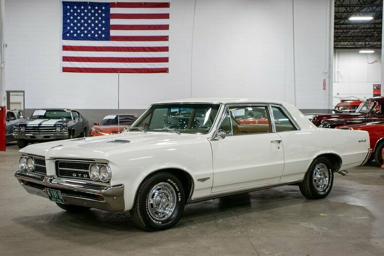 Image 1 Voiture American classic Pontiac GTO 1964