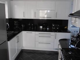 White Gloss Shaker Kitchen For Sale For Only £745