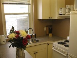 Furnished One Bedroom Close to Queen's - May 15, 2018