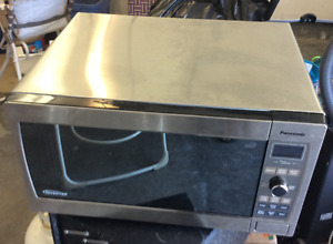 Panasonic Steel Microwave Oven in excellent working condition