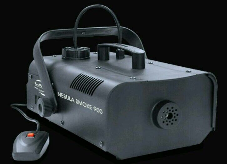 Brand New 900w smoke machine with liquid
