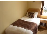 Single room only 3 minutes away from STREATHAM available for only £105pw!