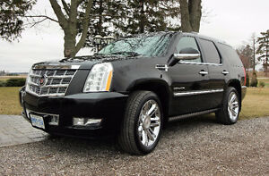 CADILLAC ESCALADE PLATINUM EDITION; FULLY LOADED!! RARE!