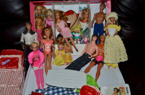 Vintage 1980's, 90's Barbies, Fashion Case, Blow Up Furniture