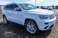 2015 JEEP GRAND CHEROKEE SUMMIT V8 LOADED & STUNNING !!