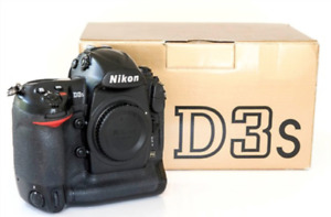 Nikon D3s  Mint Condition, with all accessories only $1,500.00