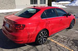 VOLKSWAGEN VW GLI 2012 ROUGE AUTOBAHN CUIR TOIT OUVRANT MANUELLE