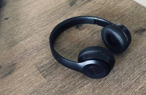 Beats Solo 3 (Black/Noir)