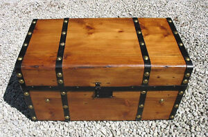 Antique Blanket Boxes, Coffee Tables or Storage Benches Gatineau Ottawa / Gatineau Area image 6