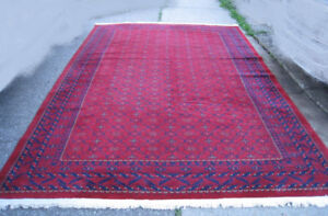 Very nice Large Area Rug, 8' X 11.5', read the ad