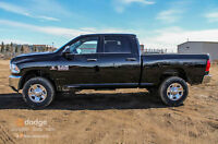 2015 RAM 3500 ST DIESEL MANUAL TRANSMISSION,.... OH YES IT IS !!