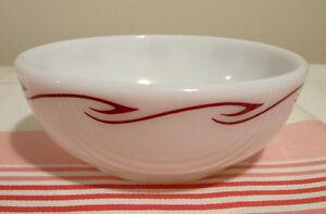 Bol Pyrex tableware vintage motif Ruby Scroll