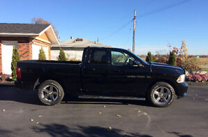 2012 Chrysler Dodge 1500 Pickup Truck
