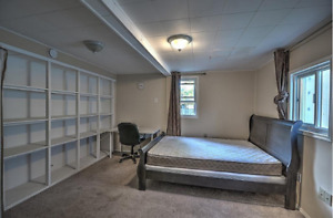Large Bedroom, All Inclusive, 5 Minutes to Brock