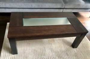 Beautiful chestnut brown solid wood coffee table w glass insert