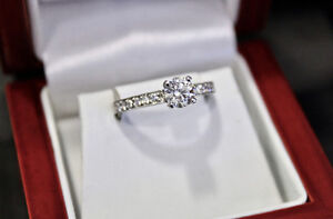 14k white gold 0.95 CT solitaire diamond engagement ring