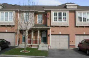 3 Bedroom 2 Townhome In Mississauga
