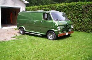 for sale 1969 ford van custom   302 V8