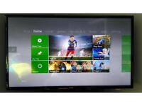 Xbox 360 Slim 120GB, 2 controllers, 6 games