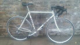Quality 90's racer. Fully rebuilt and in very good condition. 56cm