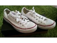 Converse all stars in white size 7/ 40 in vgc