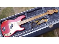 FENDER ROADWORN PRECISION BASS.TGI HARD CASE.