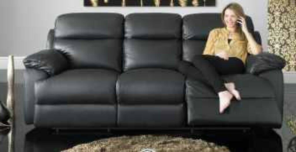 3 Seater Black Leather Power Recliner Sofa Quebec From Sofology Only 10  Months Old