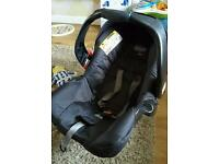 Graco baby car seat and 2 bases.