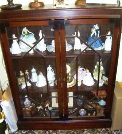 Mahogany Veneer Display Cupboard / Bookcase