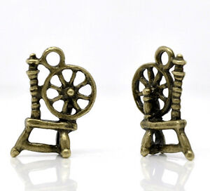 1-x-Antique-Bronze-Metal-Alloy-Tiny-Spinning-Wheel-charm-FREE-UK-P-P-FA43