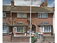 ONE BED FLAT TO LET NEAR EASTHAM STATION / PART DSS WELCOME