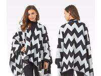 New Look Brave Soul Black Zig Zag Print Fringe Blanket Wrap Shawl