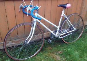 Vintage 10 speed road bike $175