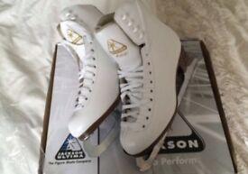 Jackson figure ice skates - size 5